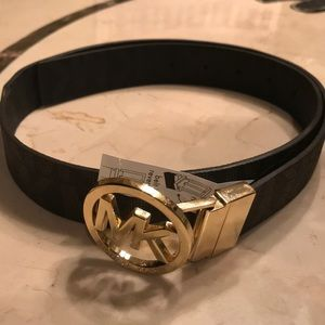 Michael Kors Rev Logo Buckle Belt, Women Small